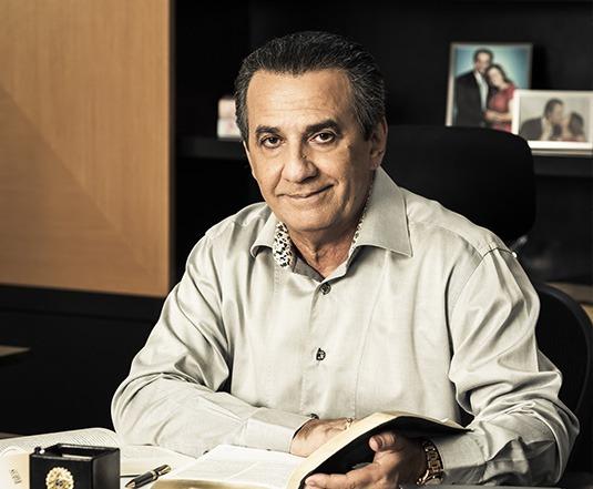 Pastor Silas Malafaia apresenta Escola de Líderes On-line
