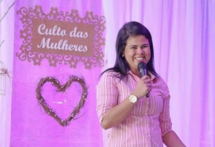 Mariane Kelly Souza foi encontrada morta com as mãos amarradas, em SC (Foto: Reprodução)