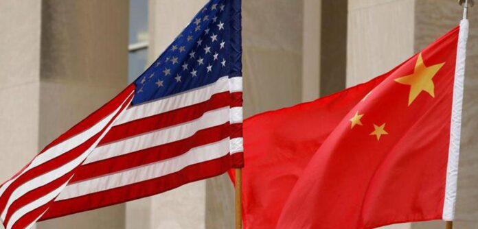 Bandeiras dos EUA e da China