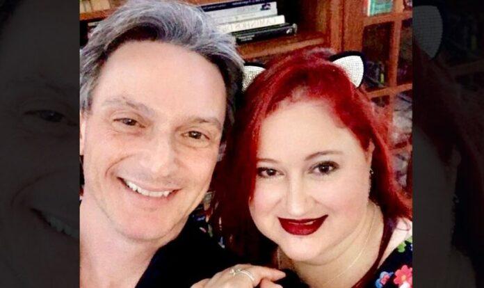 Daniel Mastral e sua esposa, a médica e escritora Isabela Mastral. (Foto: Daniel Mastral/Instagram)