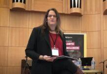 """Laura Bethany Buchleiter, que se identifica como mulher, foi ordenada como """"pastor transgênero"""" por uma congregação batista de Indiana, nos EUA."""