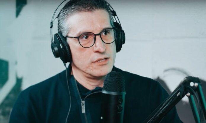 Pastor e vocalista da Banda Resgate, Zé Bruno, em entrevista ao JesusCopy. (Foto: Reprodução/YouTube)