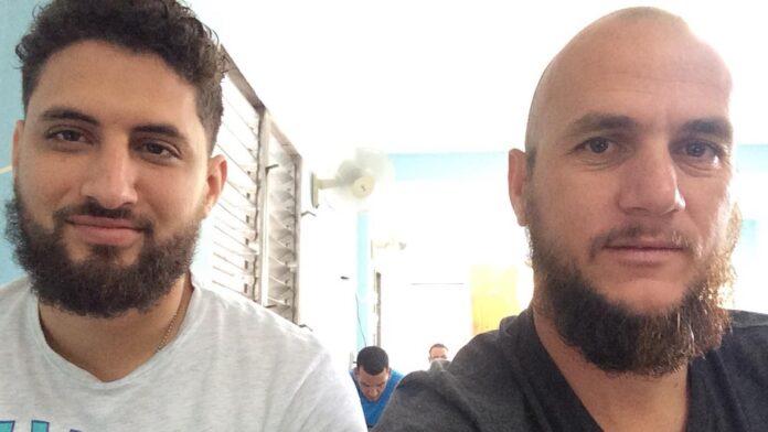 Pastores Yarian Sierra (à esquerda) e Yéremi Blanco (à direita)