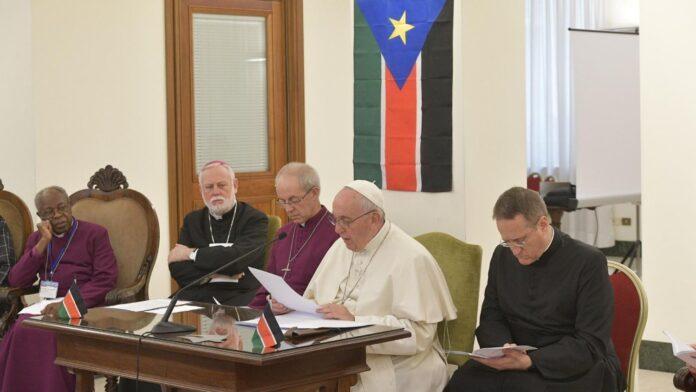 Papa Francisco, Justin Welby (arcebispo da Cantuária, Comunhão Anglicana) e Jim Wallace (Moderador da Igreja da Escócia, presbiteriana)