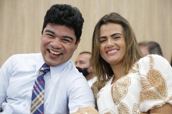 Pastor Samuel Mariano e sua esposa, Isabela Mariano – Foto: Reprodução