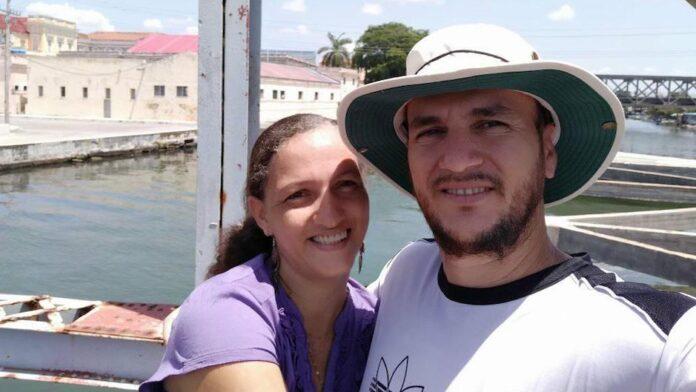 Pastor Yéremi Blanco e sua esposa Adelys Rodríguez.