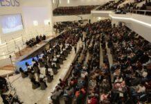 Culto no templo sede da Assembleia de Deus em Pernambuco