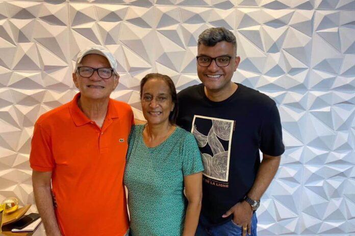 Tiago Brunet com seu pai, Dário e sua mãe, Fani - Foto: Reprodução