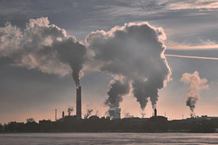 Aquecimento global e as mudanças climáticas (Foto: Unsplash / Maxim Tolchinskiy)