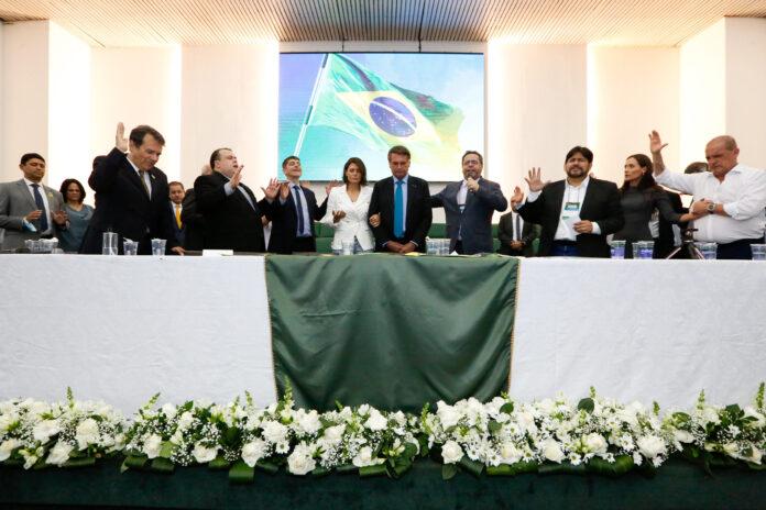 O presidente Jair Bolsonaro, a primeira-dama Michelle Bolsonaro e ministros, receberam orações e em evento evangélico no dia 5 de outubro de 2021 (Foto: Reprodução/Palácio do Planalto)